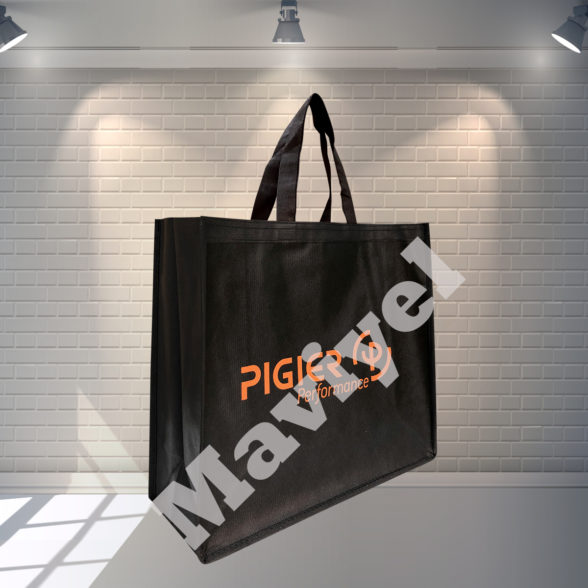 100% RECYCLABLE BLACK NONWOVEN BAG WITH GUSSETS – PIGIER